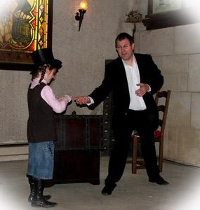 Magicien anniversaire d'enfants Reims Epernay Chateau Thierry Soissons Chalon-en-Champagne Laon